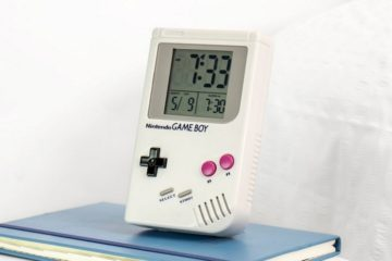 game-boy-alarm-clock-1