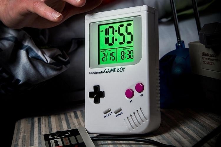 game-boy-alarm-clock-2