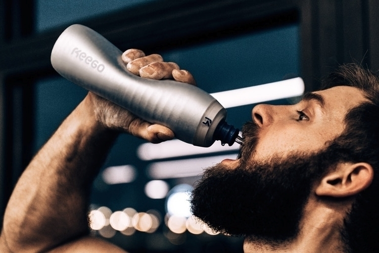 keego-squeezable-metal-water-bottle-1