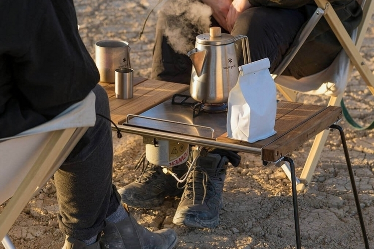snow-peak-iron-grill-table-slim-3