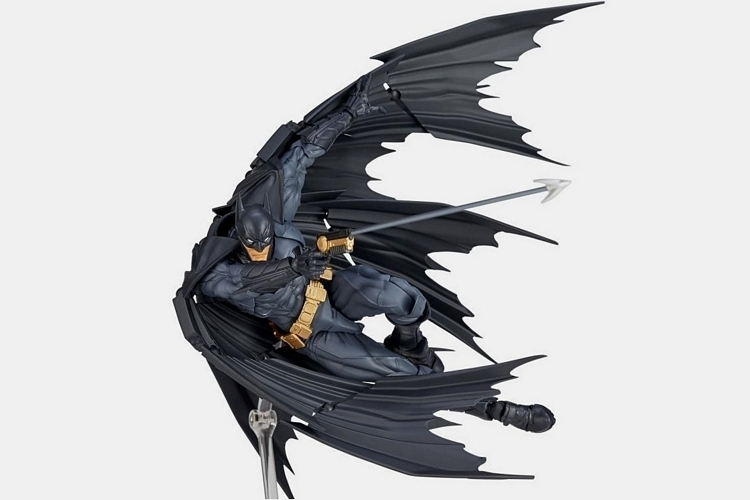 yamaguchi-revoltech-batman-amazing-action-figure-1