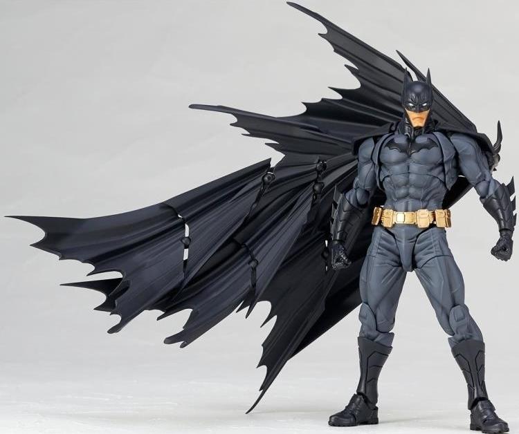 yamaguchi-revoltech-batman-amazing-action-figure-2