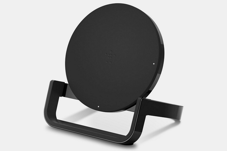 belkin-boost-up-wireless-charging-stand-1