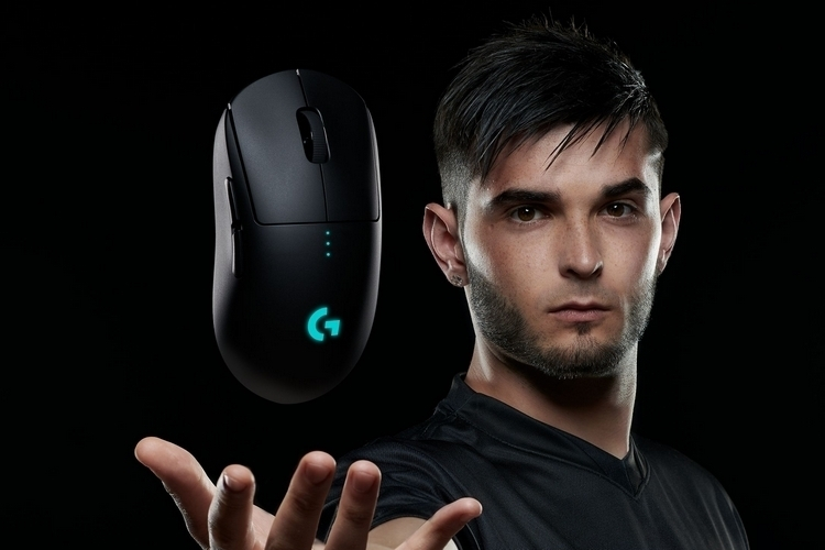 logitech-g-pro-wireless-gaming-mouse-3