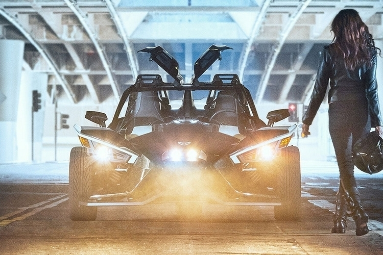 polaris-slingshot-grand-touring-2