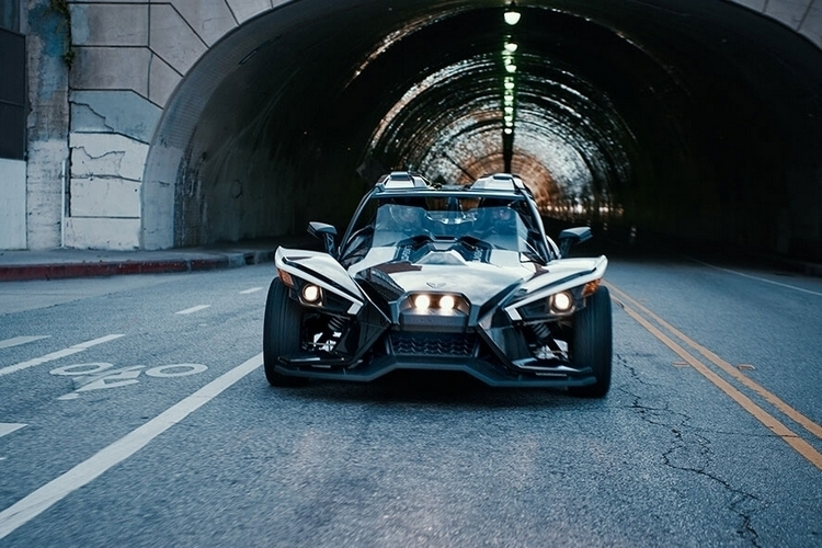 polaris-slingshot-grand-touring-3
