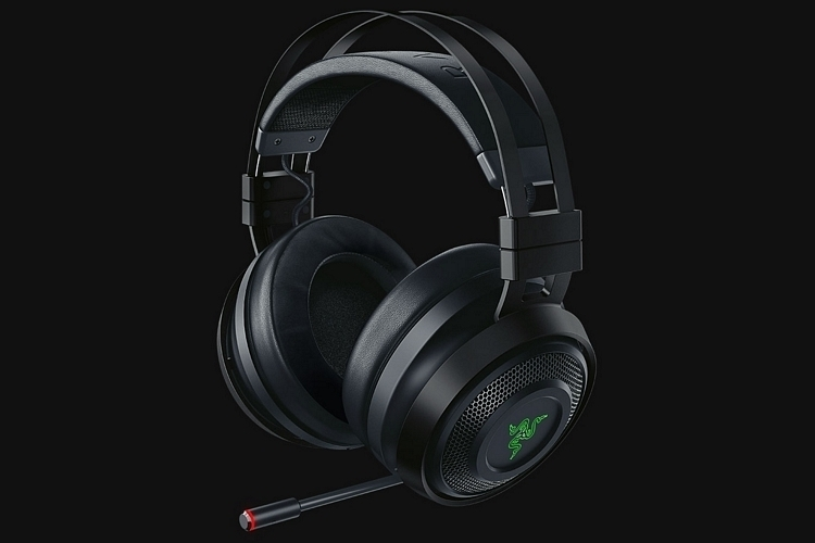 razer-navi-wireless-rumble-headphones-1