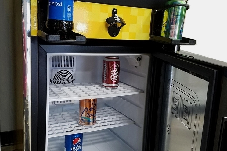 pac-man-pixel-bash-chill-arcade-cabinet-mini-fridge-3
