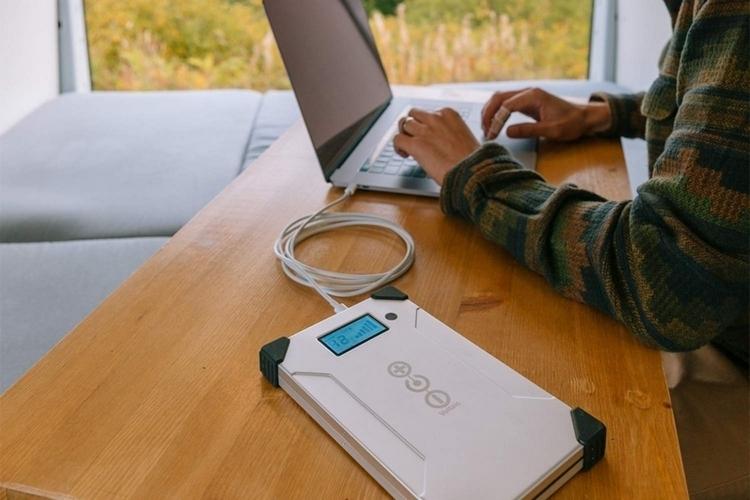 voltaic-v88-laptop-power-bank-2