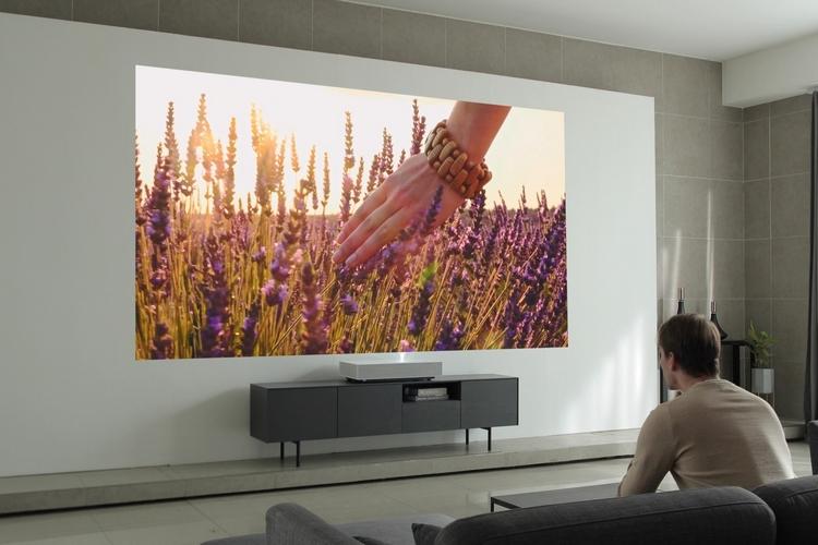 LG-cinebeam-laser-4k-projector-3
