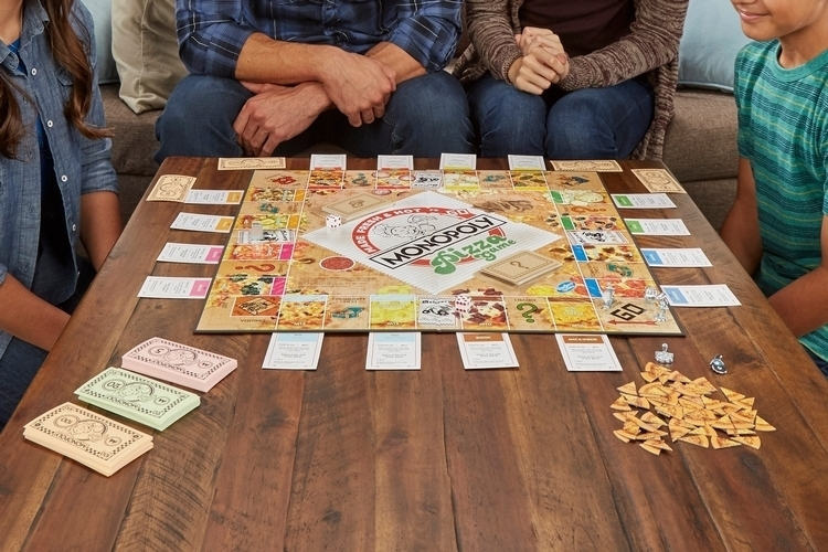 monopoly-pizza-board-game-2