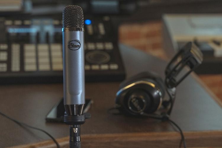 Blue-ember-xlr-microphone