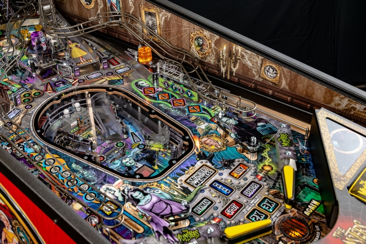 stern-munsters-pinball-machine-4