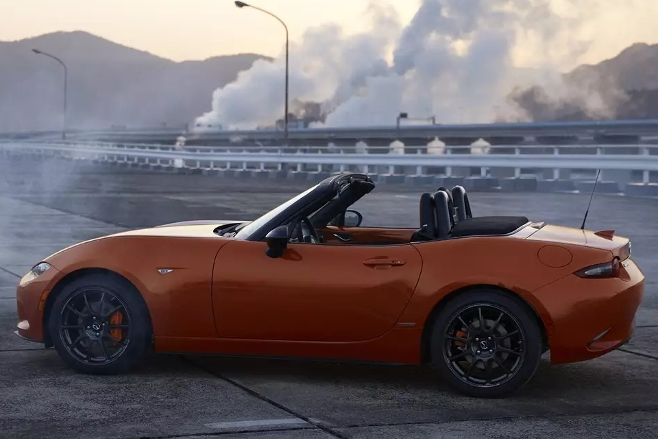 2019-mazda-mx-5-miata-30th-anniversary-edition