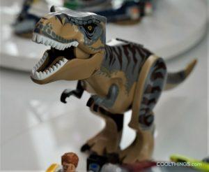 LEGO-75938-T-rex-vs-Dino-Mech-Battle-9