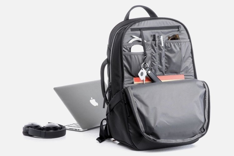 3-aer-tech-backpack