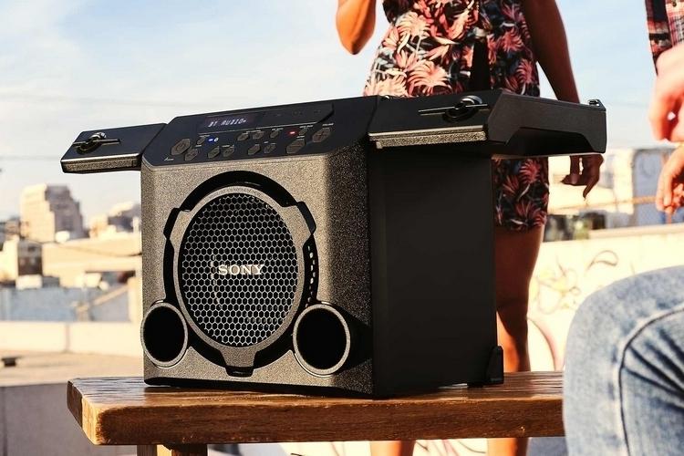 sony-gtk-pg10-outdoor-speaker-1