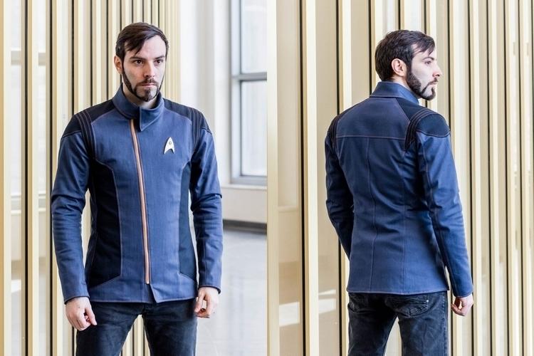 volante-design-starfleet-jacket-1