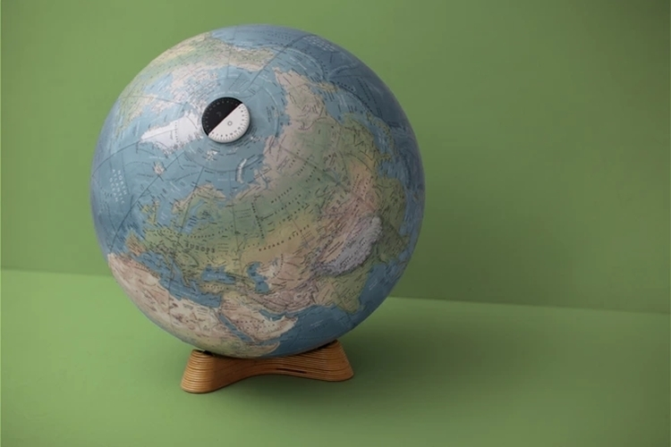 acme-globes-3