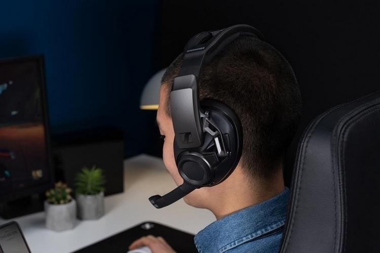 https://netdna.coolthings.com/wp-content/uploads/2019/06/sennheiser-gsp-670-wireless-gaming-headset-2.jpg