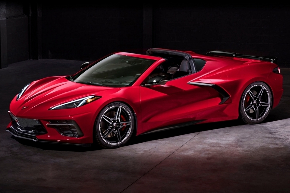 2020-chevrolet-corvette-stingray-4