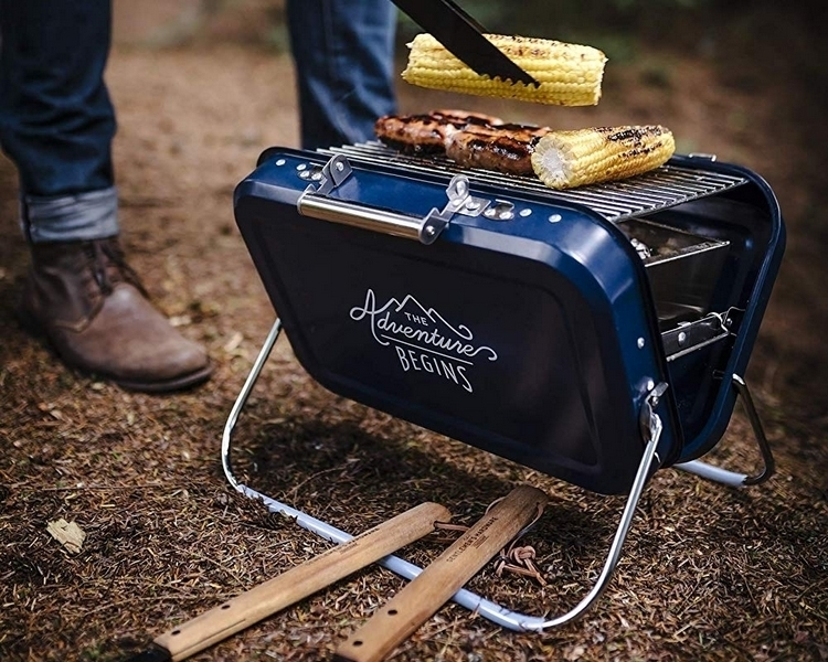 gentlemens-hardware-portable-barbecue-1
