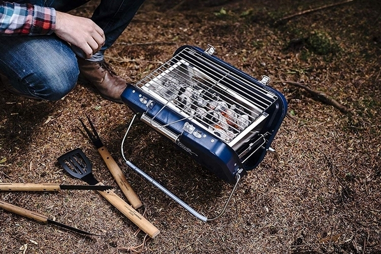 gentlemens-hardware-portable-barbecue-3