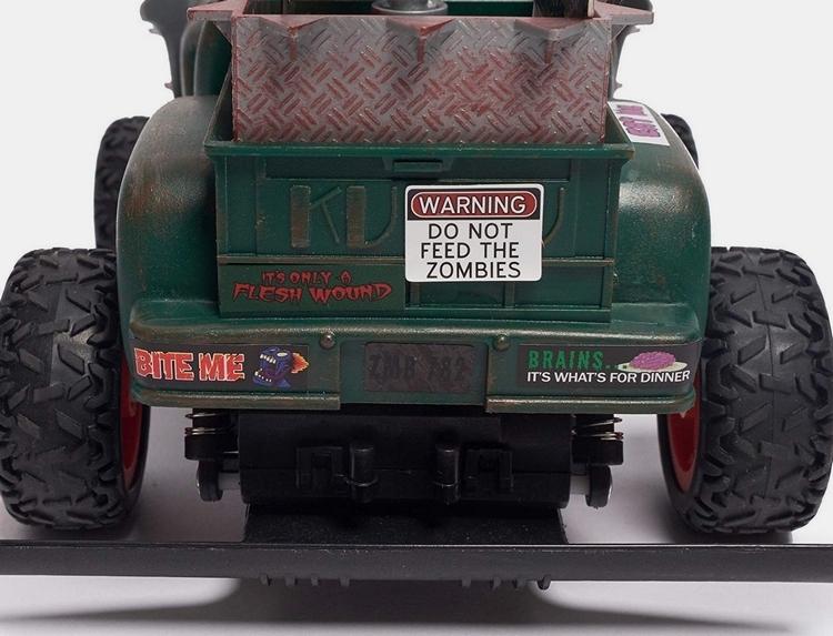 redneck-roadkill-zombie-roadkill-escape-rc-truck-4