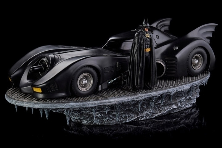 02-cool-toys-iron-toys-burton-batmobile