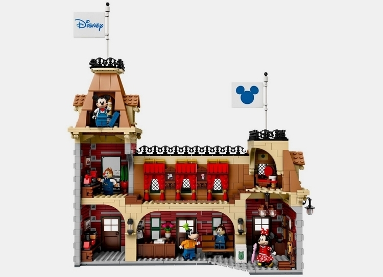 lego-disney-train-and-station-4