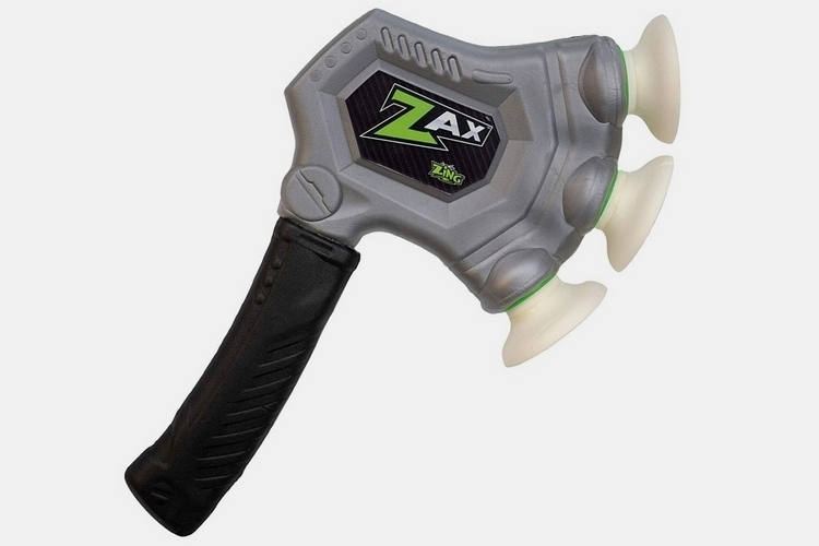 zing-toys-zax-foam-throwing-axe-1