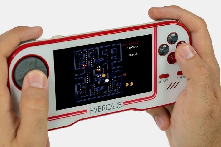evercade-handheld-retro-gaming-console-1